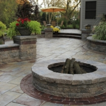 Unilock_stone-patio-and-fire-pit1